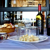Manchego Cheese and Cabernet Sauvignon